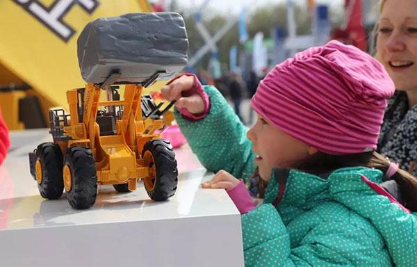 Bauma2019必赢bwin手机童真专辑|孩子们的工程机械梦