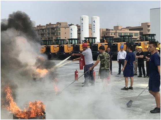 必赢bwin手机机械组织消防灭火和应急逃生演练